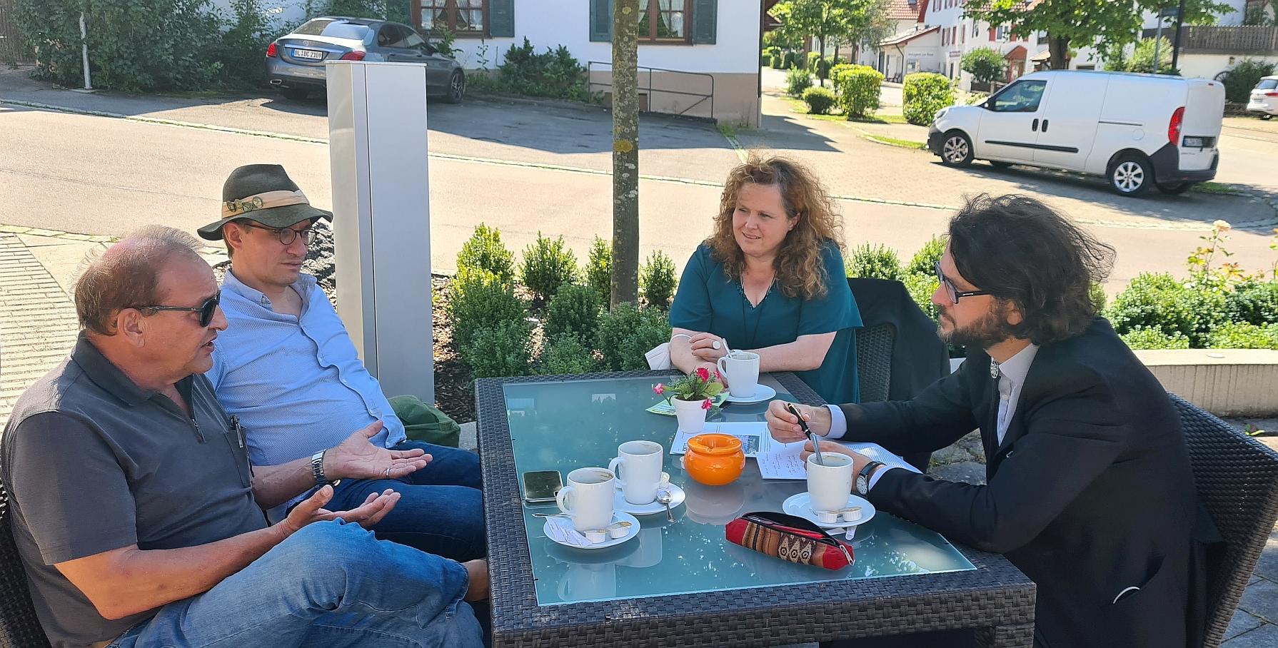 Wolfgang Wochner, Georg v. Cotta, Marion Maier und Johannes Kretschmann (v.l.n.r.) bei der Meisterbäckerei Milles in Dotternhausen